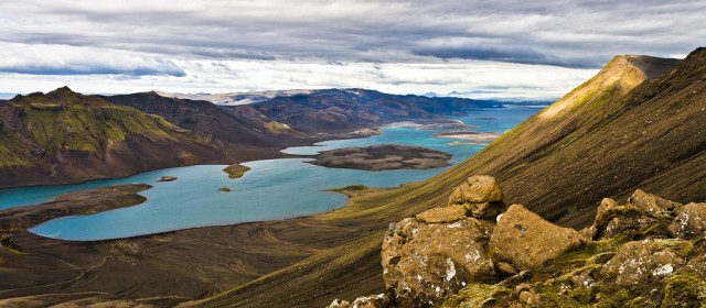 Langisjór is a large lake southwest of Vatnajökull. It is 27 square kilometers, 20 km long and 2 km wide where it is widest. Altitude is 662 m. and it stretches southwest from the glacier. East of Langisjór is the mountain range Fögrufjöll, there are many rock formations that lead into the water and cross into the fjords and bays. On the southern end is Sveinstindur which is named after Sveinn Pálsson, a physician and naturalist from Vík. Sveinstindur is 1092 m above sea level. It is relatively easy to walk up, so most people are able to get to the top with an increase of 400m. The view from the top is unique, it is said that if the weather is good you can see over á quarter of Iceland, from Öræfajökull in the east to Hellisheiði, Langjökull and Hofsjökull in the west. When looking over all of Langisjór the view is incomparable.